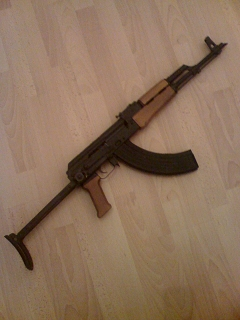 Deutsch: Kalashnikov M-Version
