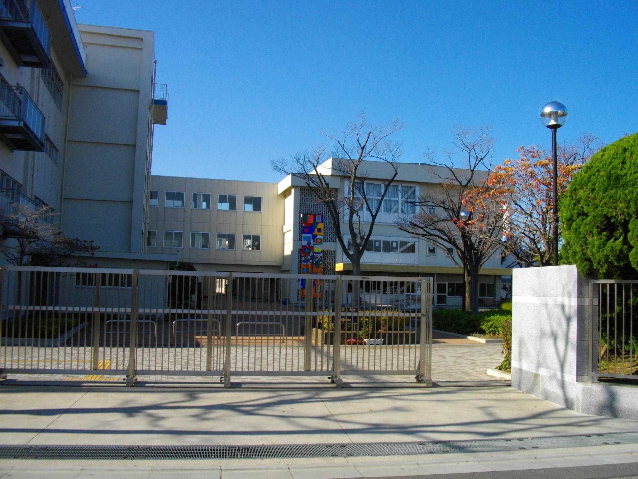 東 水 元 小学校
