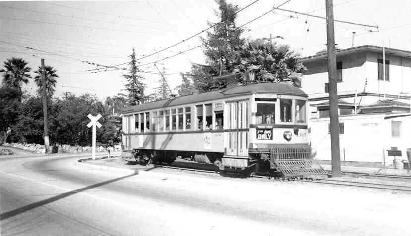 LARy W line - 1407 at Marmion Way.jpg