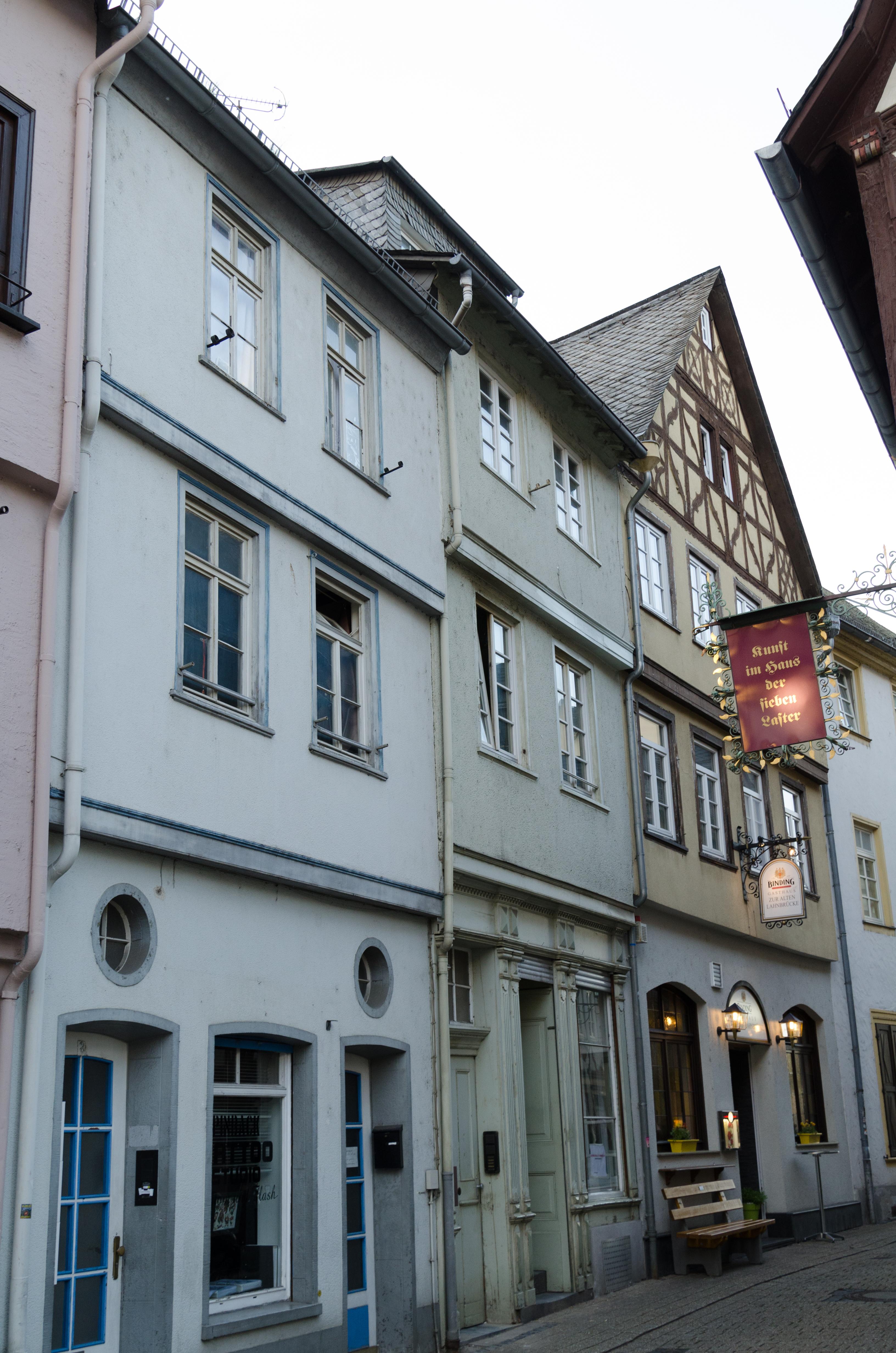 File:Limburg an der Lahn, Brückengasse 6, 001.jpg