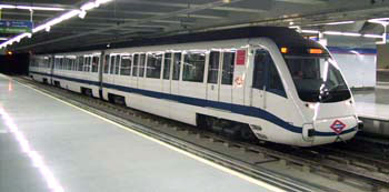 A modern metro train (type 8000) on line 8 at Colombia station