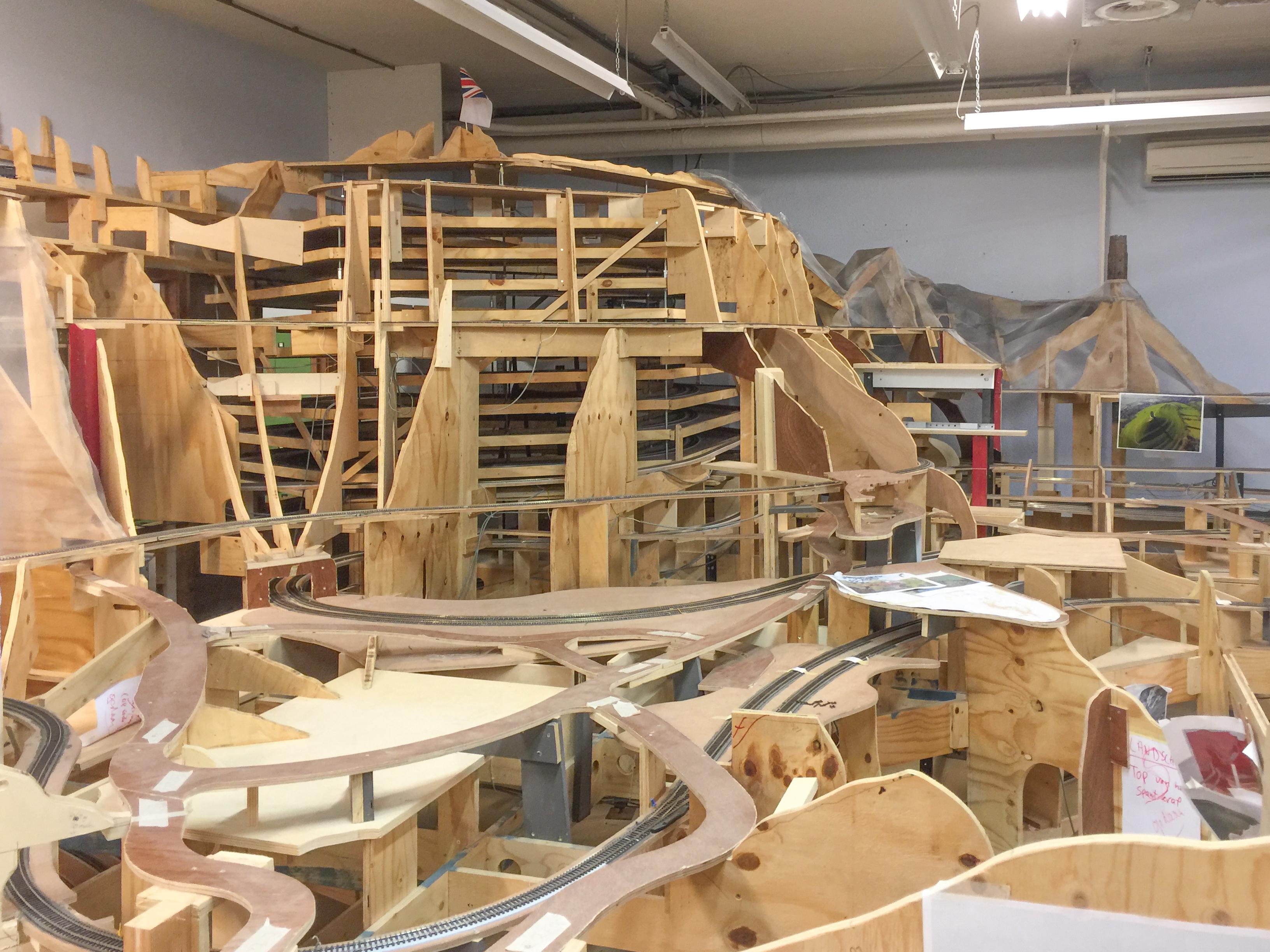 File:Miniworld Rotterdam-11, buildup of new section, with theme England-Scotland (Aug 2016).jpg ...