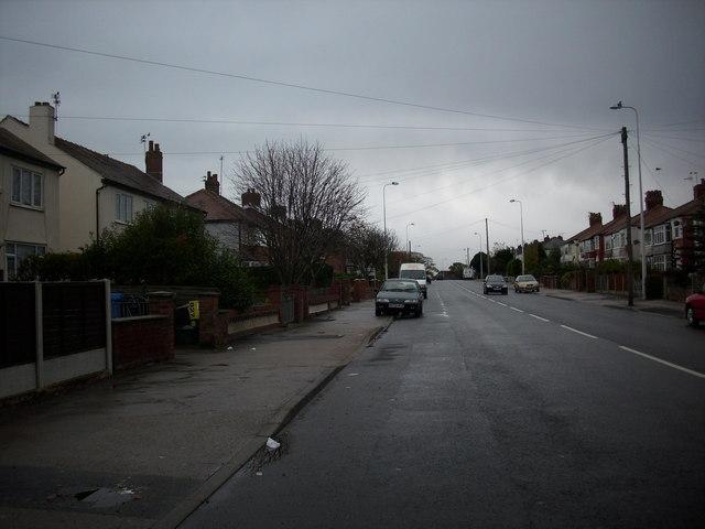 File:Minor road running in to Thornton village in Lancashire. - geograph.org.uk - 1026870.jpg