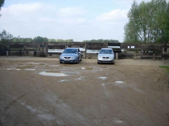 Parking for Fen Drayton Lakes - geograph.org.uk - 602719