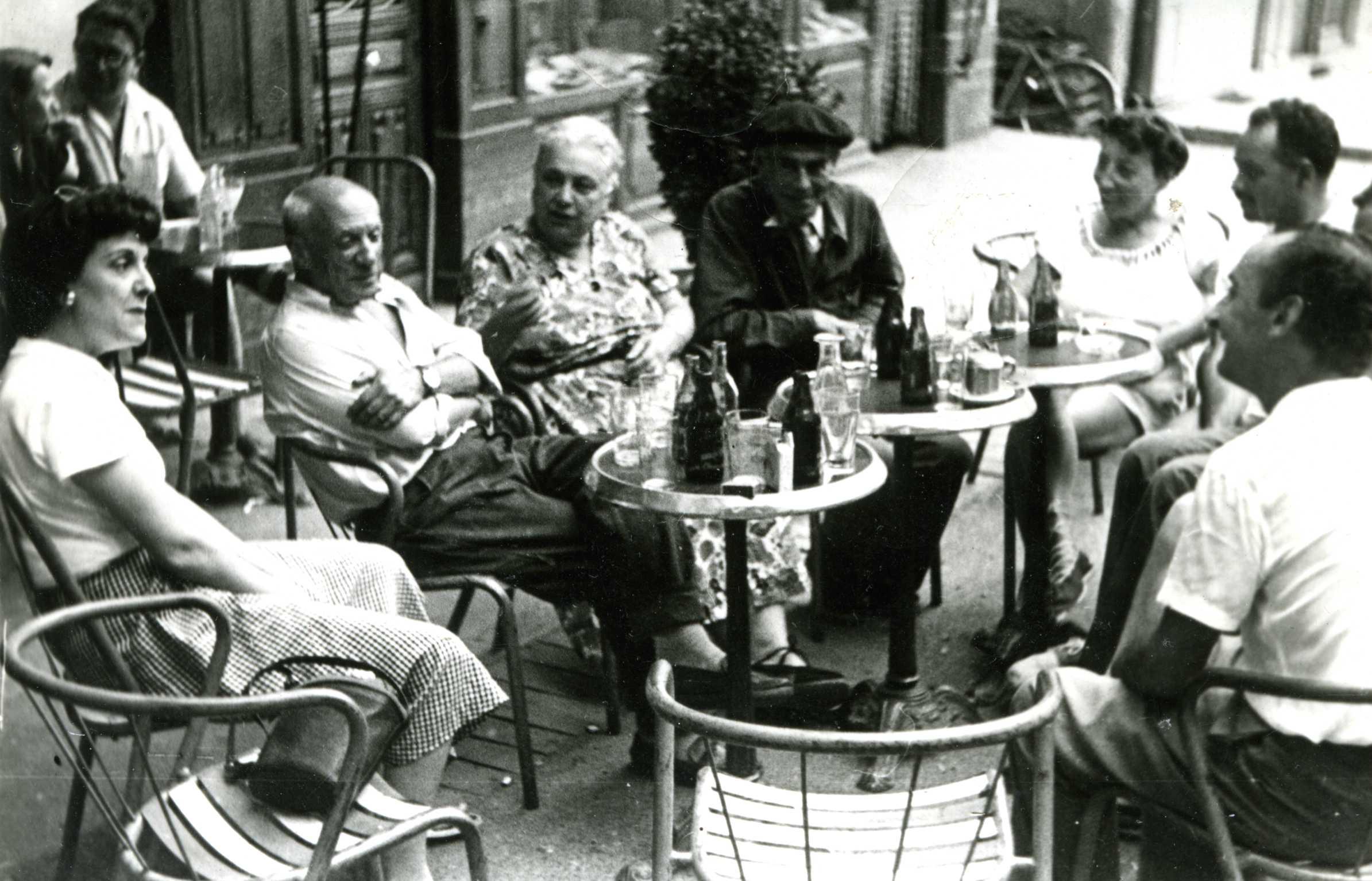 http://upload.wikimedia.org/wikipedia/commons/b/b7/Picasso,_Pierre,_Brune,et_Eudaldo.jpg