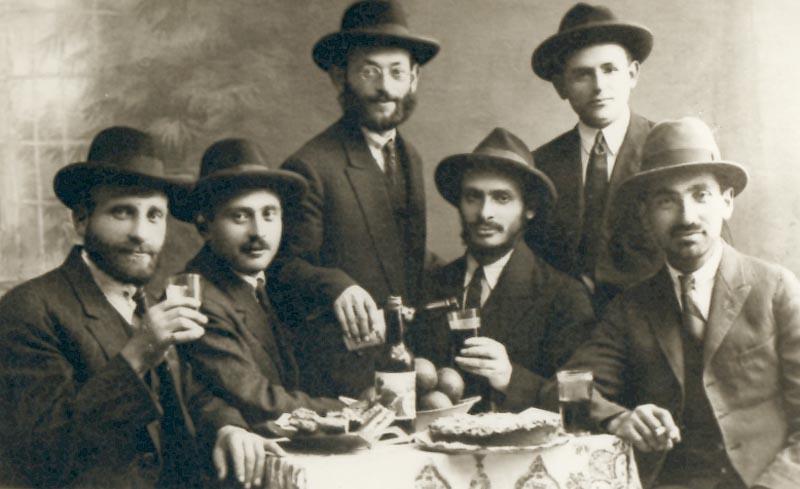 """חלק ממייסדי כפר אתא (""""הפינפונצוונציקרס"""", """"העשרים וחמישה"""") בסוף שנות ה-20"""