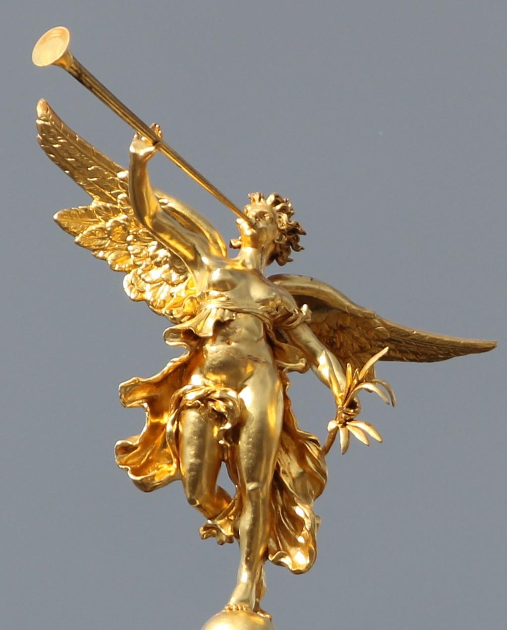 rennes - palais du parlement de bretagne, statue l'Éloquence plein pied.jpg
