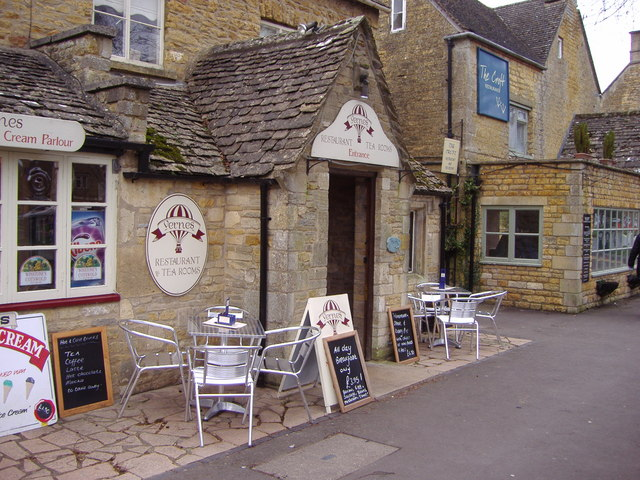 Restaurant alongside the river, Bourton on the Water - geograph.org.uk - 699181