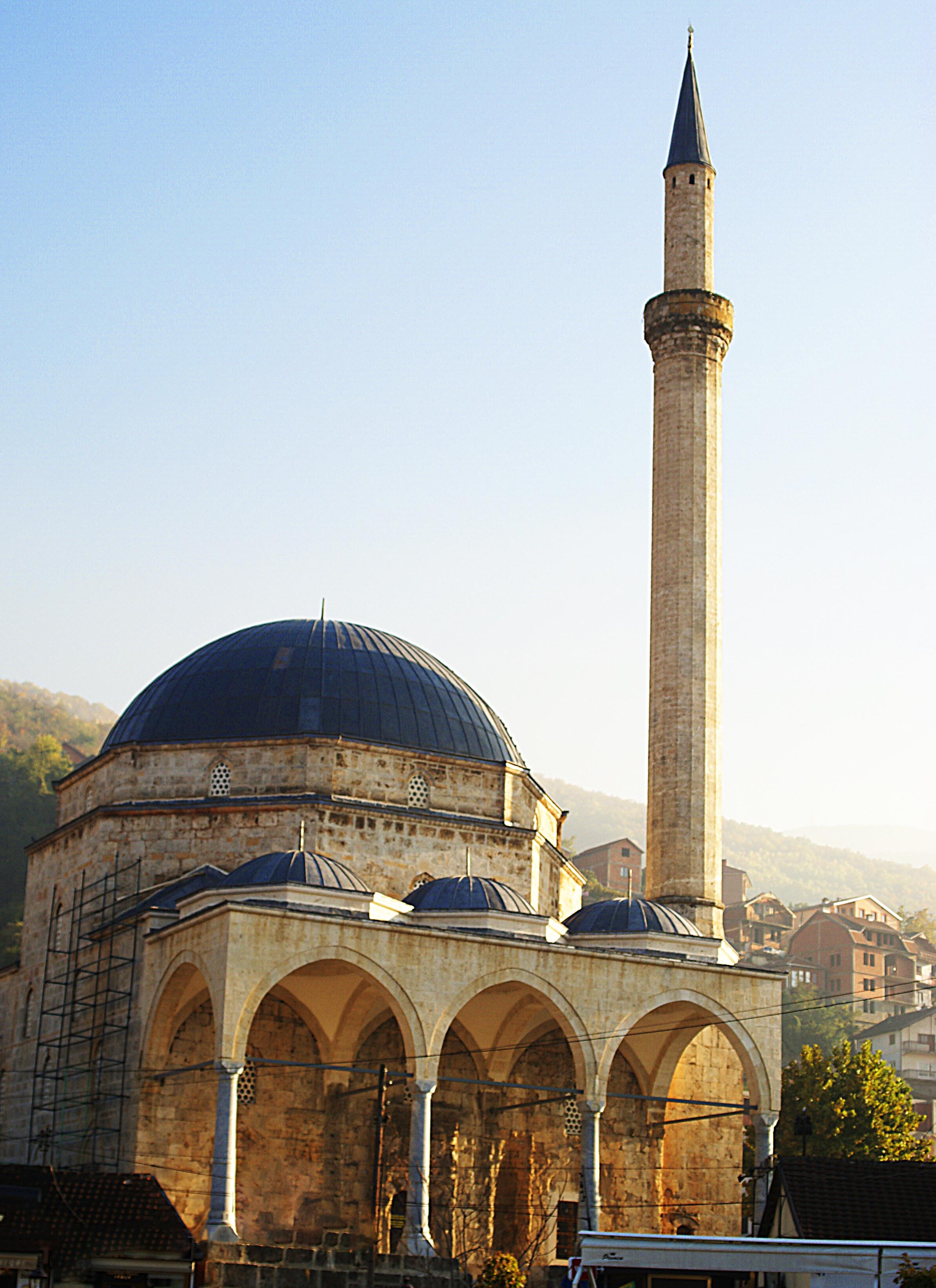 Beispiel osmanischer Architektur im Kosovo: die Sinan-Pascha-Moschee von 1615 in Prizren