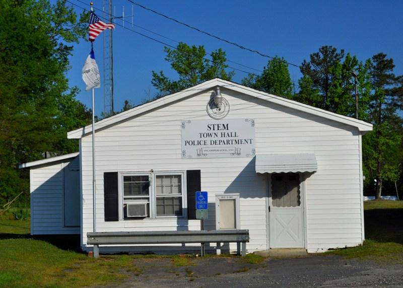 File:Stem Town Hall.jpg - Wikimedia Commonsstem town