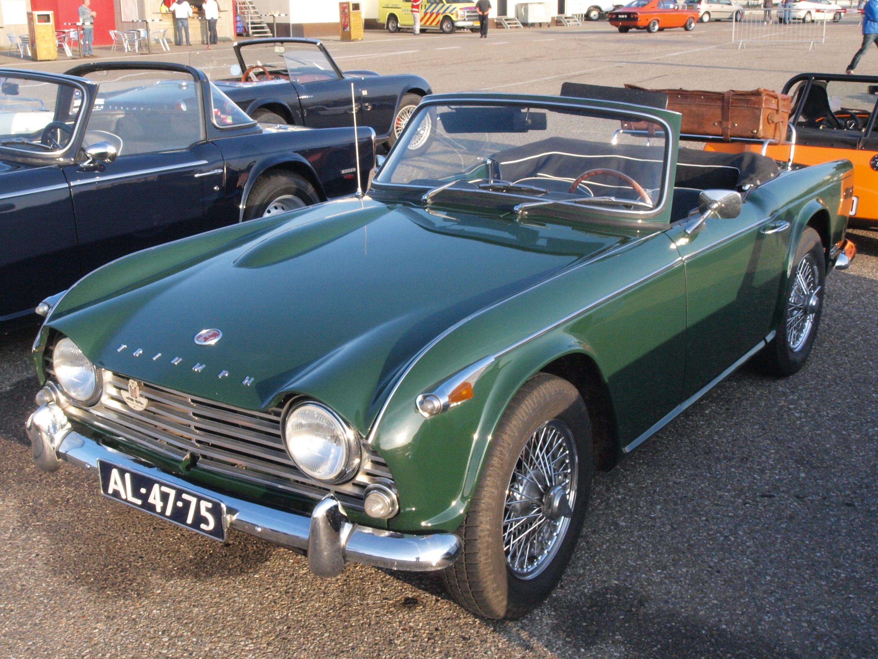 Triumph TR4A - Wikipedia