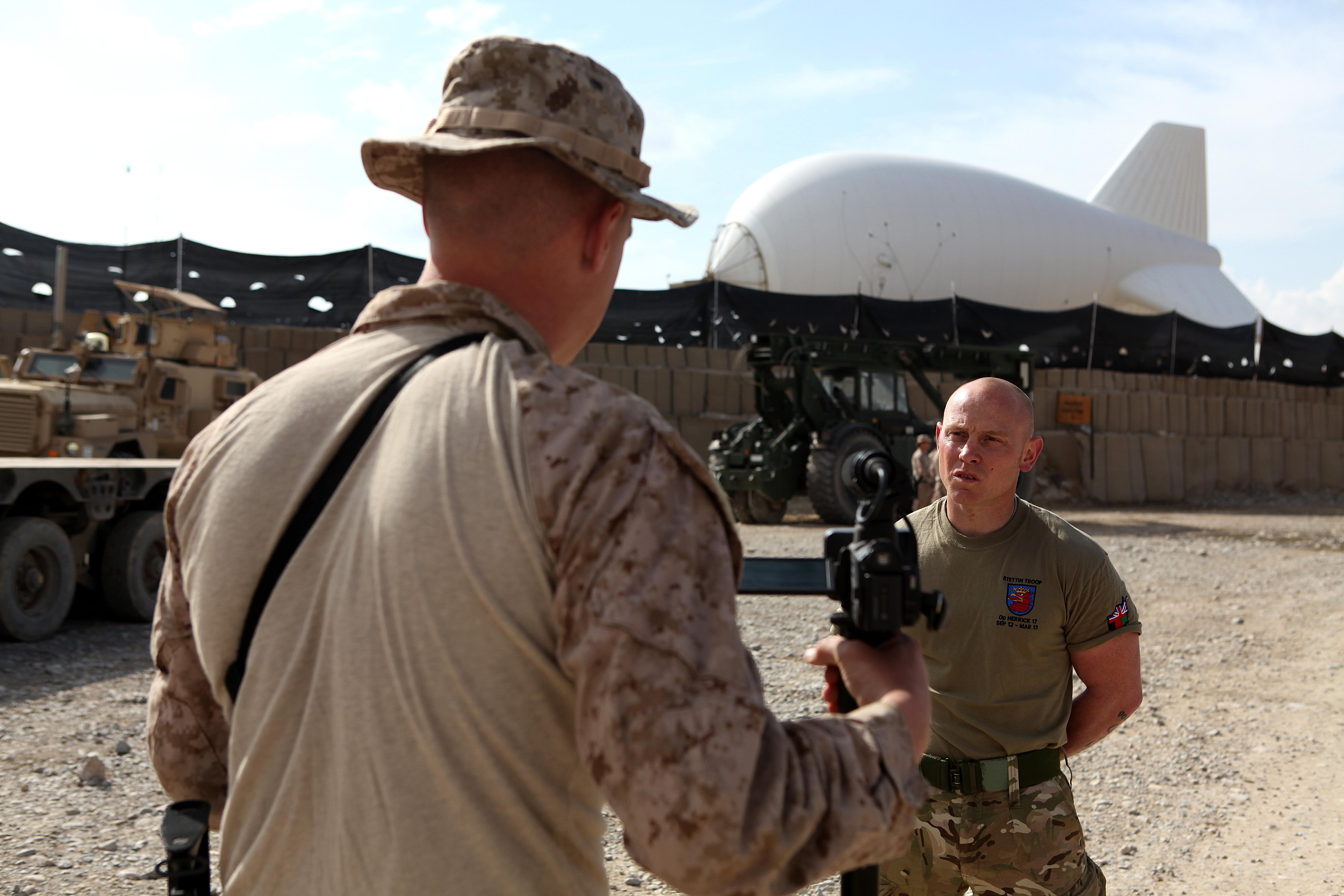 File:U.S. Marine Corps Lance Cpl. William M. Kresse, left ...