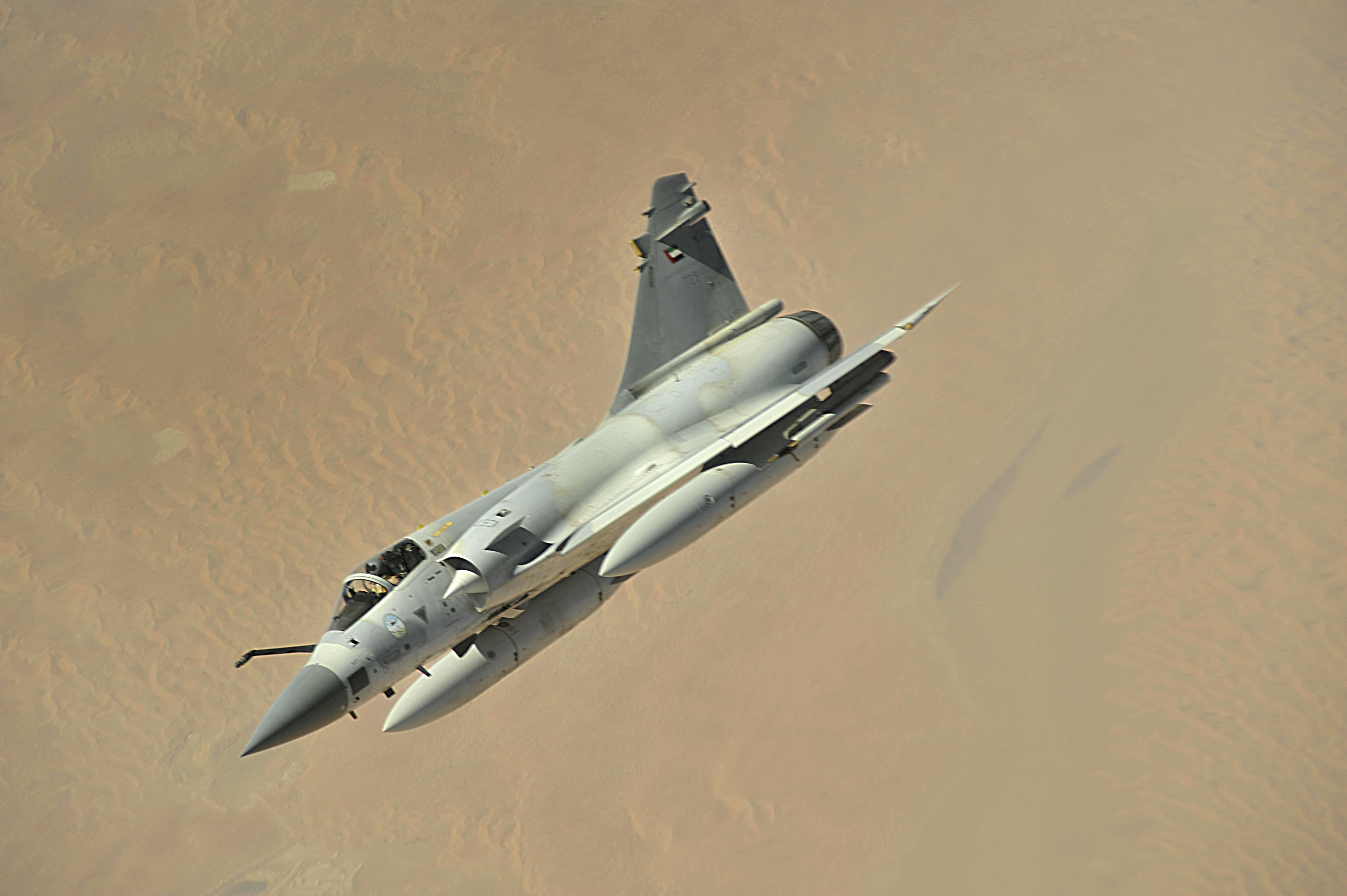 مصر تتعاقد على الميغ 35  الروسية  - صفحة 2 UAE_Mirage_2000