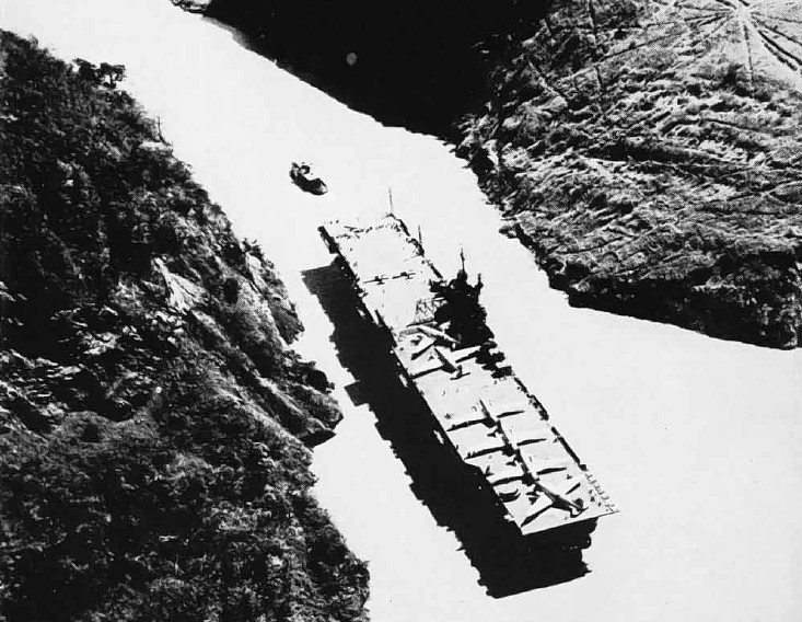file uss philippine sea cv-47 panama canal nan12-48 jpg