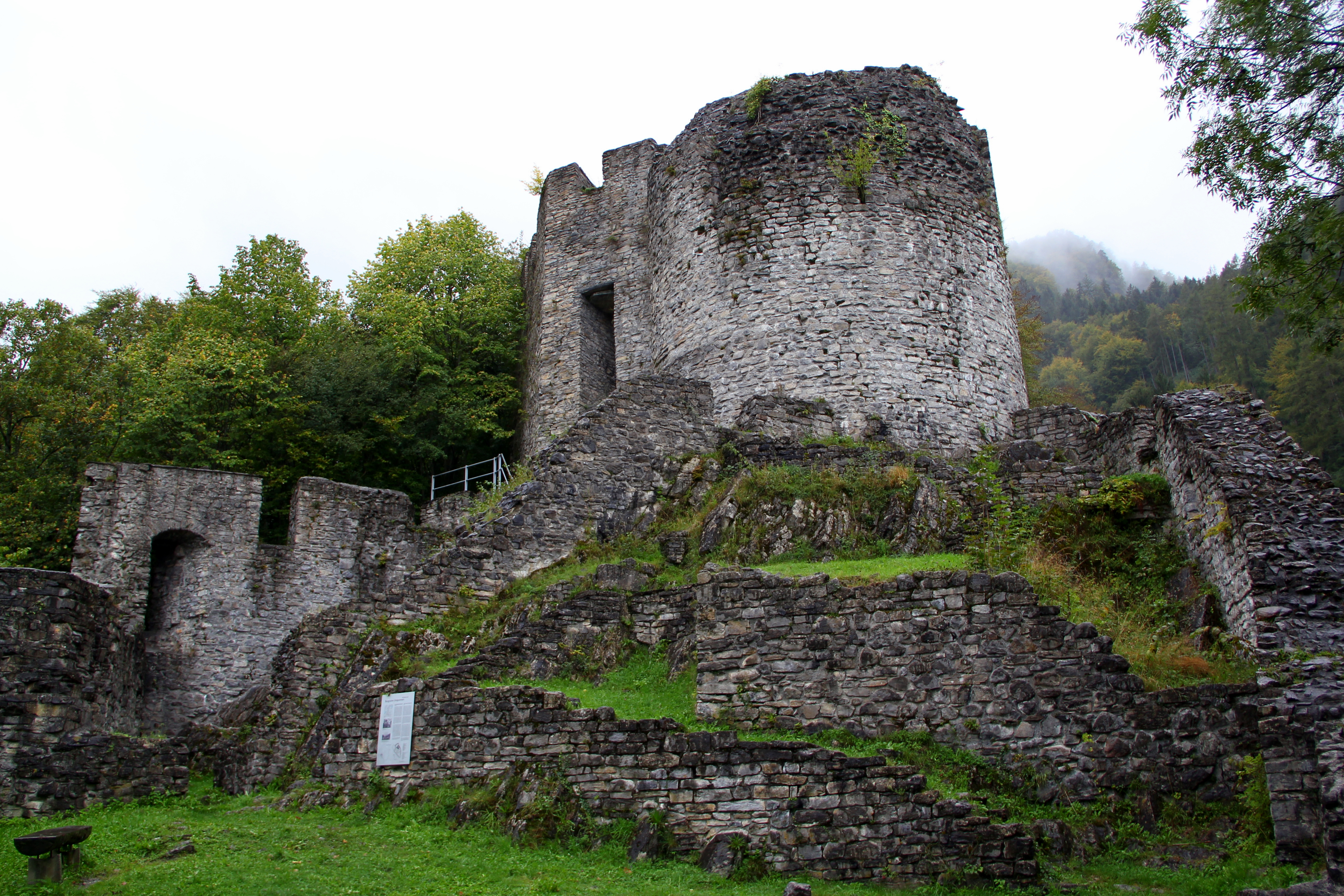 File Unspunnen Castle Switzerland Jpg Wikimedia Commons
