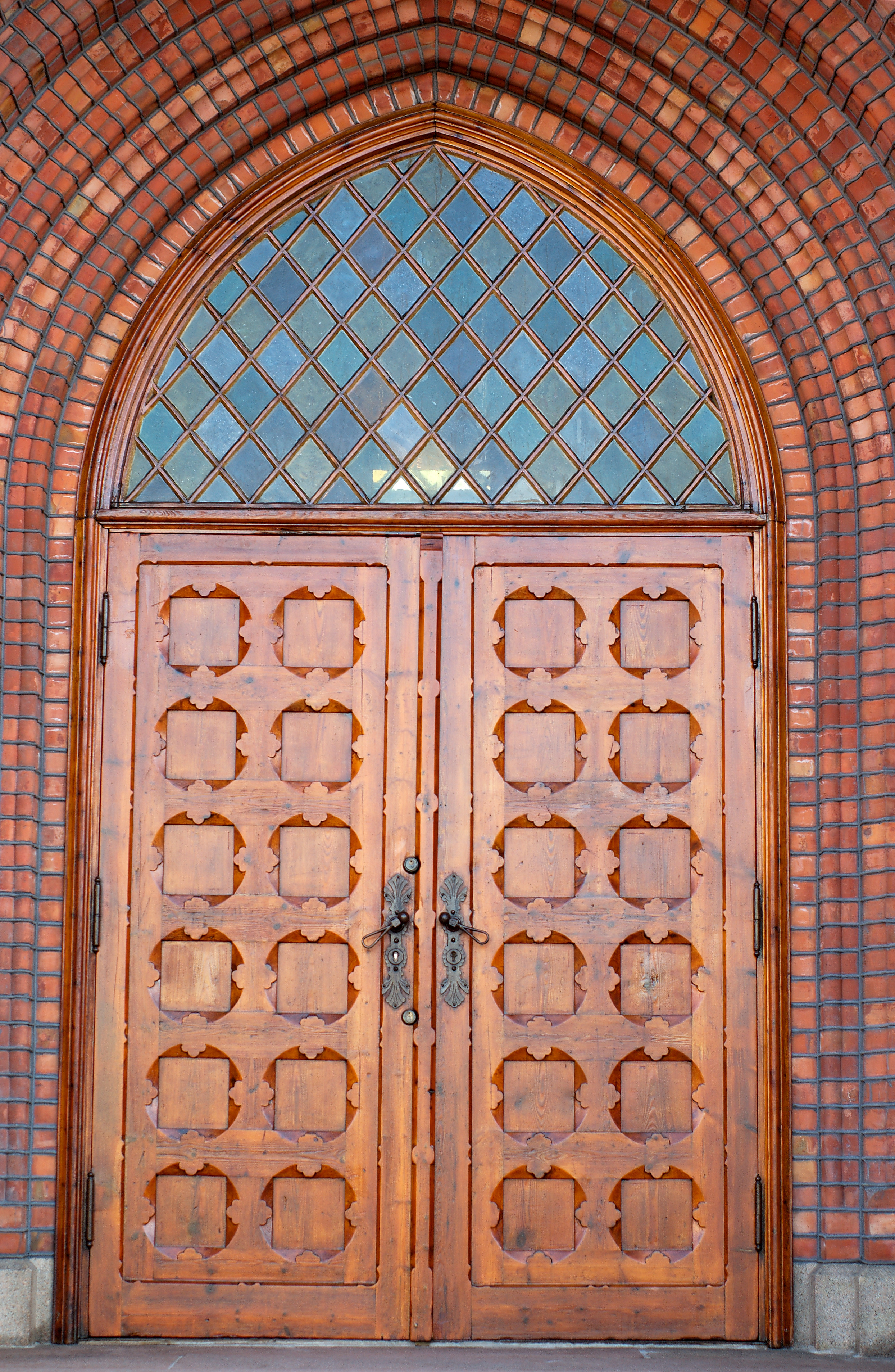 Door church filechurch of the holy trinity philadelphia red for Exterior glass doors for churches