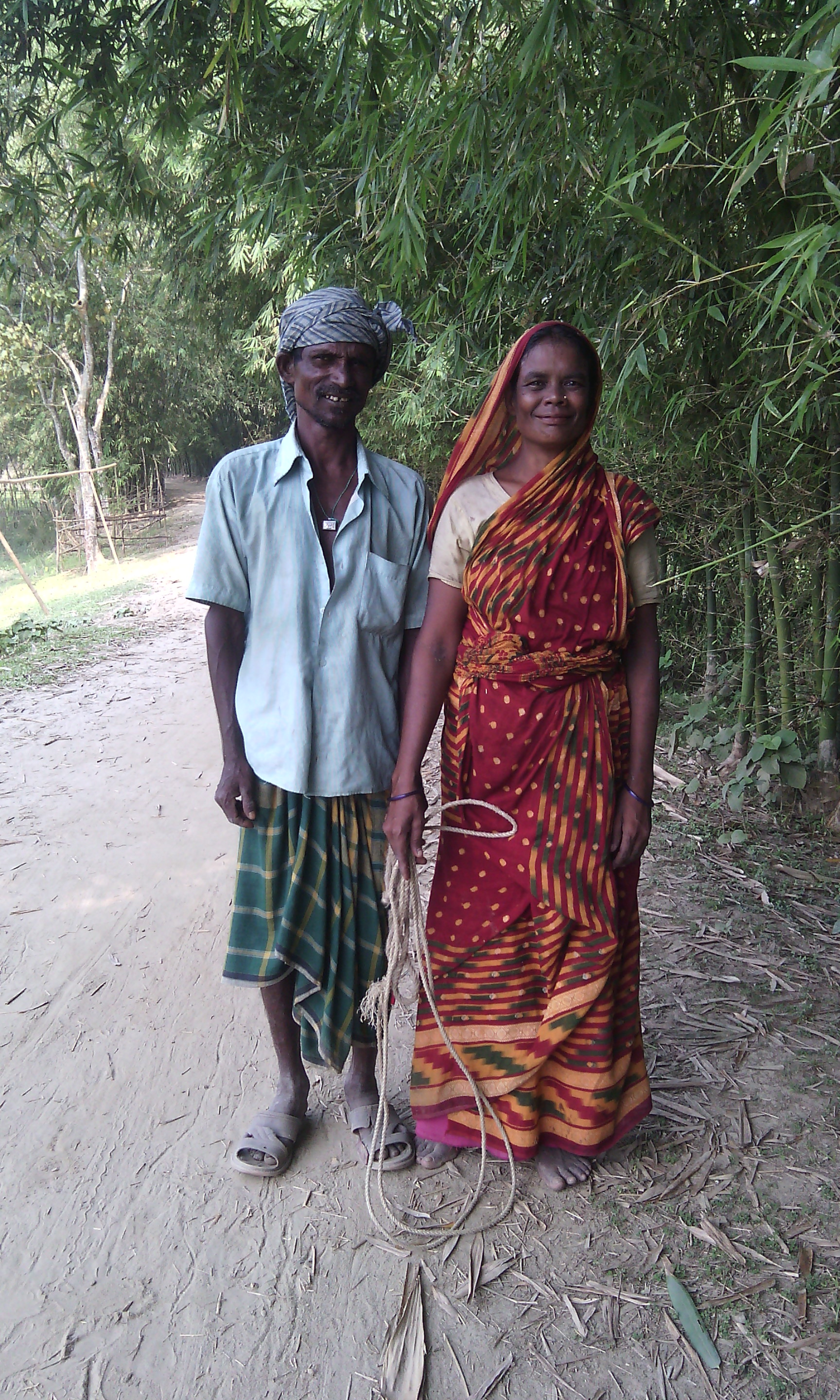 Filevillage couple who work in field jpg