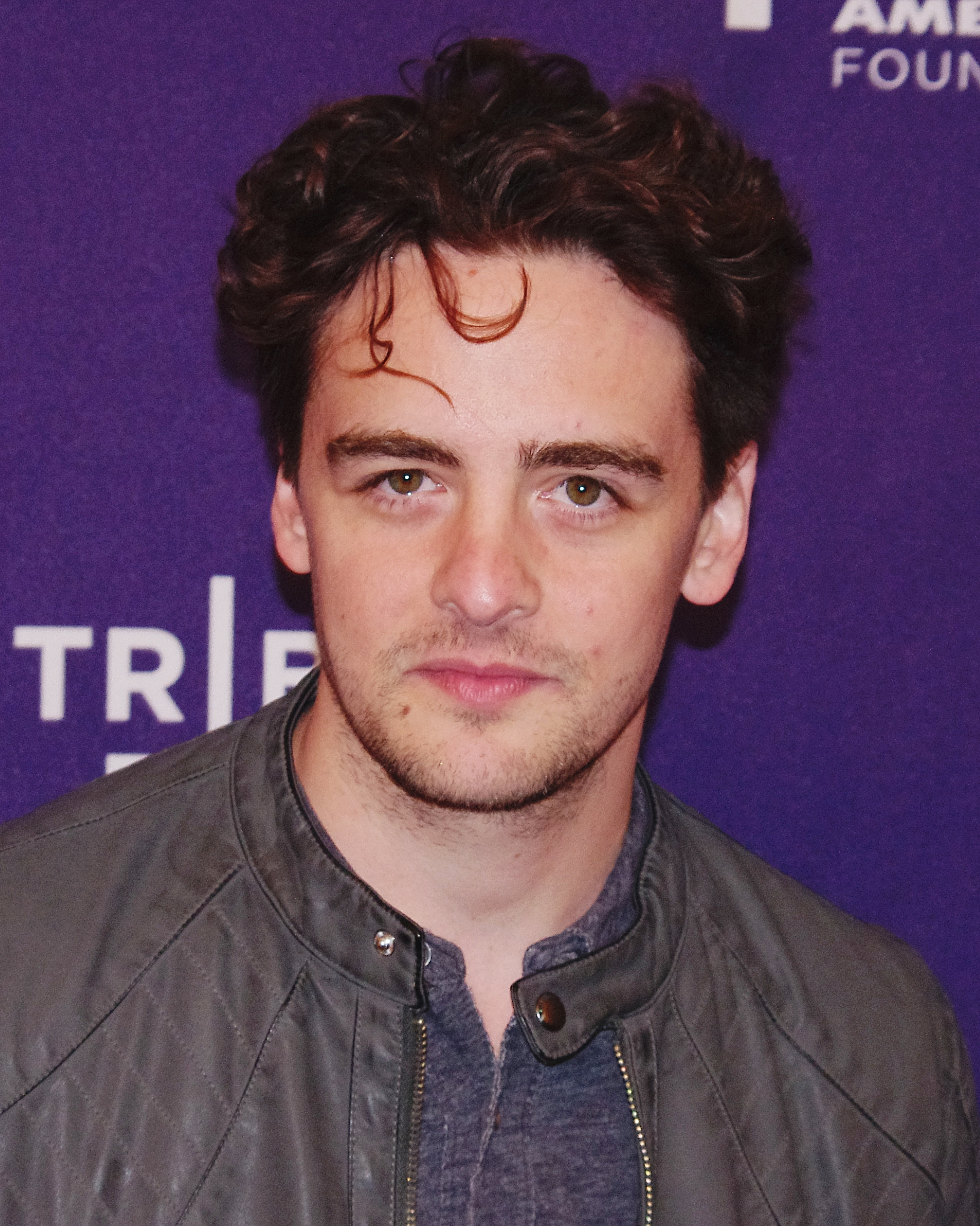 The 42-year old son of father (?) and mother(?) Vincent Piazza in 2018 photo. Vincent Piazza earned a  million dollar salary - leaving the net worth at 1 million in 2018