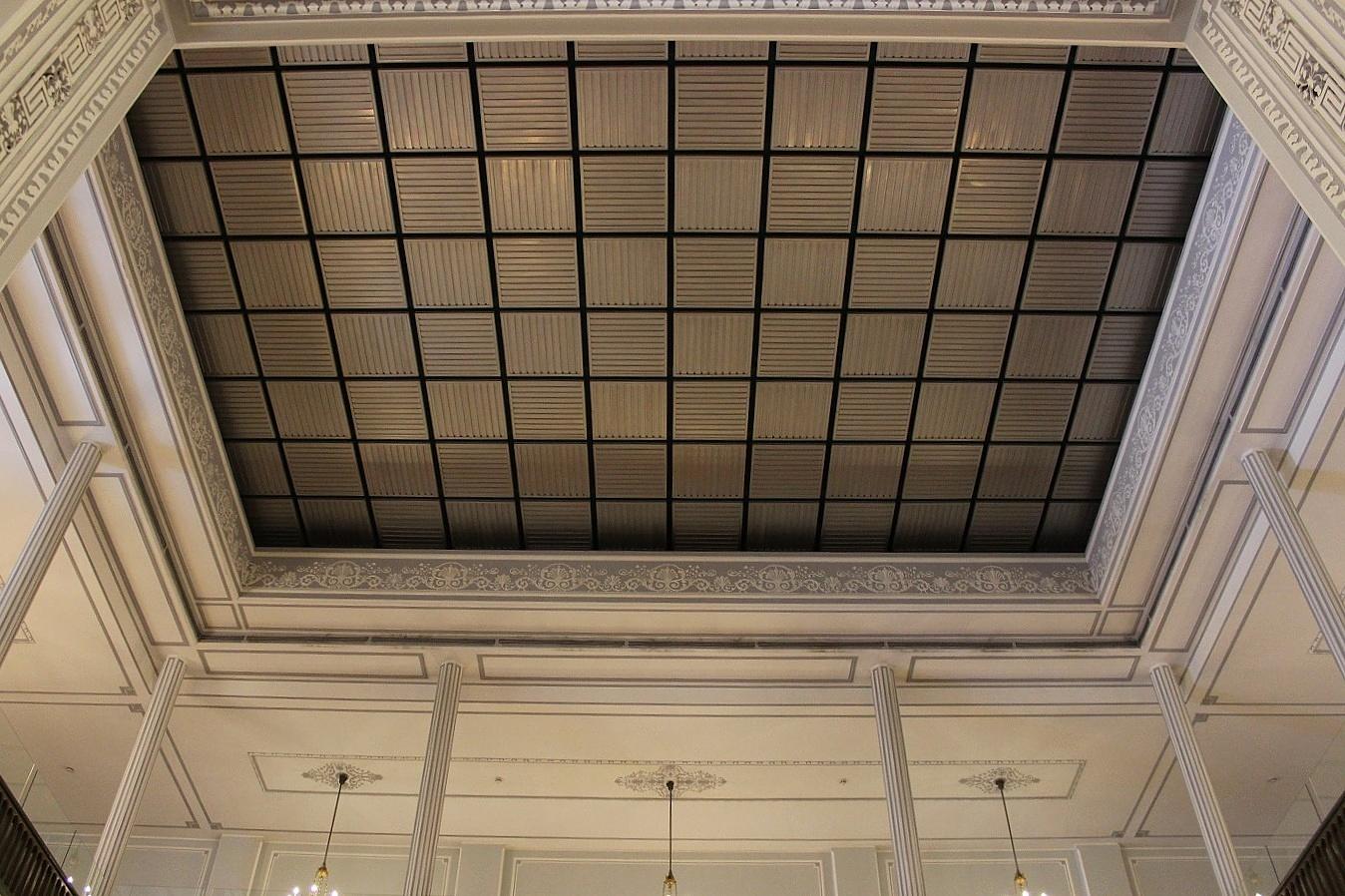 File:سقف متحرک کاخ نیاوران.jpg - Wikimedia CommonsFile:سقف متحرک کاخ نیاوران.jpg
