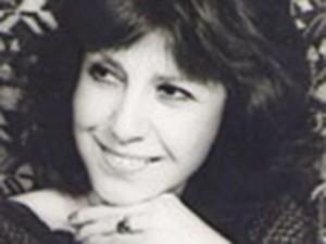 درباره شوشا گوپی، خواننده ای که دختر یک آیت الله بود ile ilgili görsel sonucu