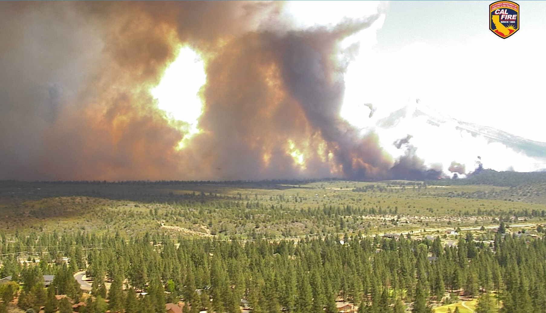 Thousands Evacuate Fawn Fire