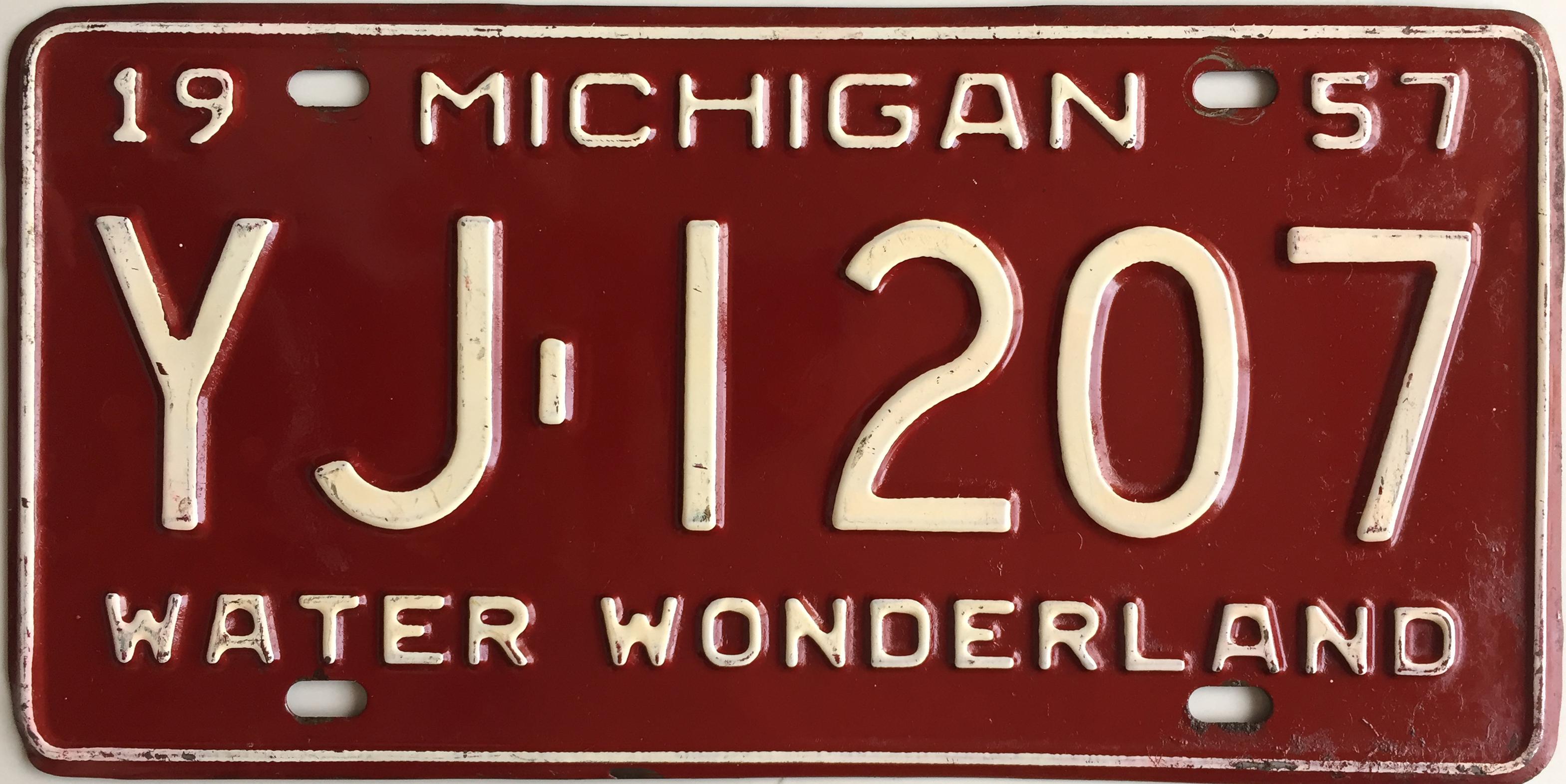 File:1957 Michigan License Plate.JPG - Wikimedia Commons
