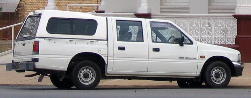 File:1991-1995 Holden Rodeo (TF) DLX Crew Cab 4-door utility