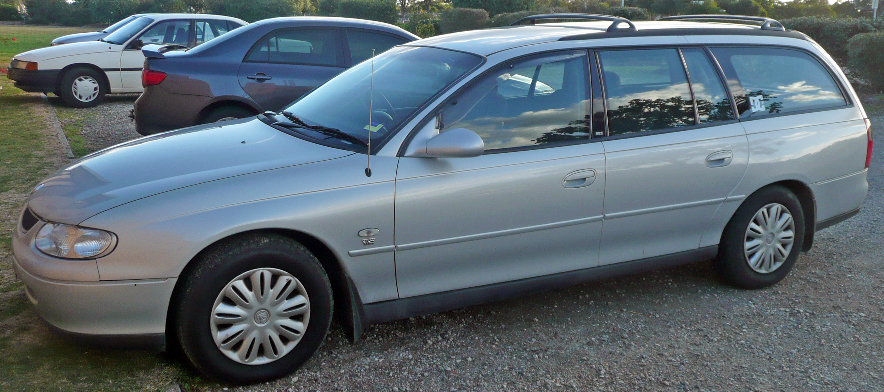 Honda Accord 2000 >> File:1999-2000 Holden VT II Commodore Acclaim station