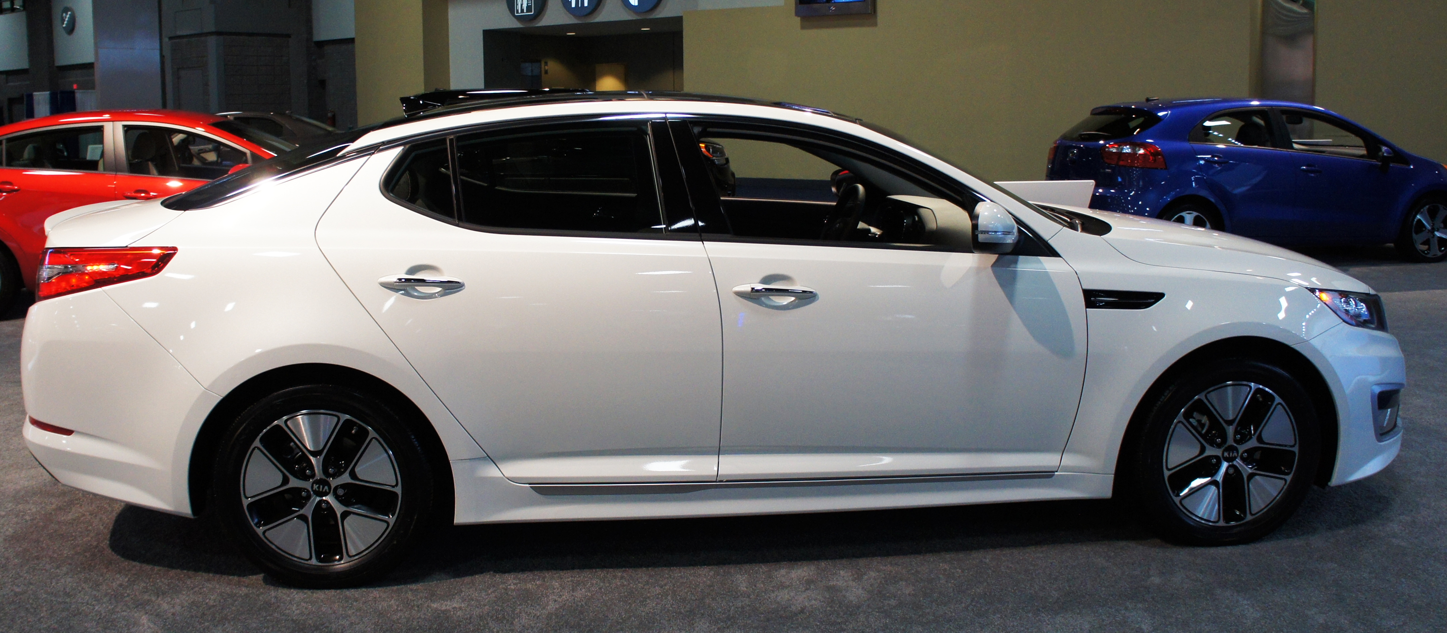 File:2012 Kia Optima Hybrid WAS 2012 0738.JPG