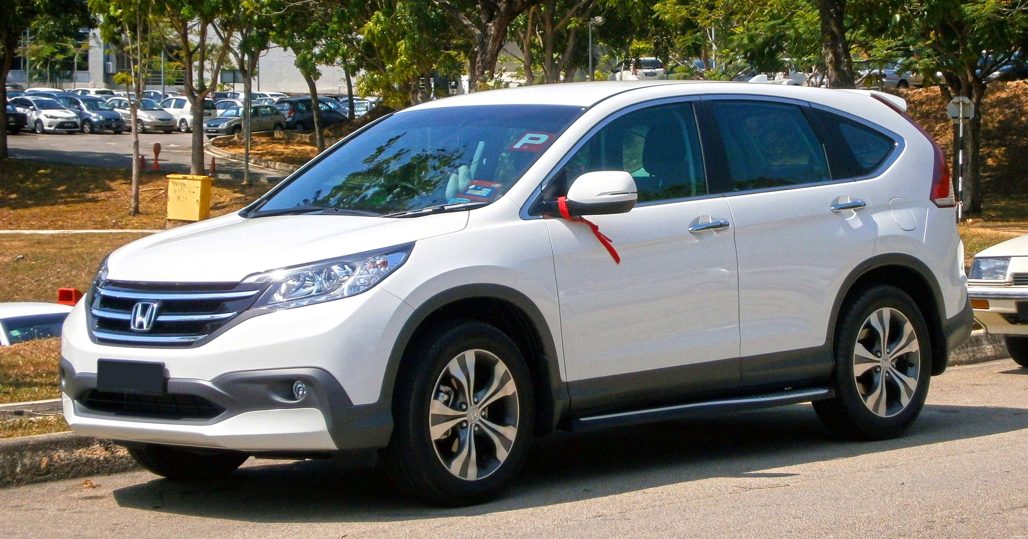 File:2014 Honda CR-V 2.4L i-VTEC (with opt. Modulo Alpha