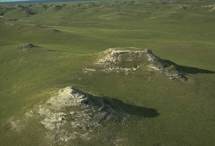 File:Agathe National Monument10.jpg