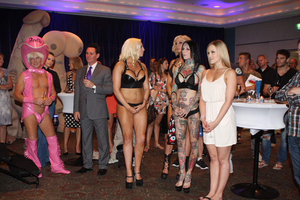 Hairy nude dutch girls