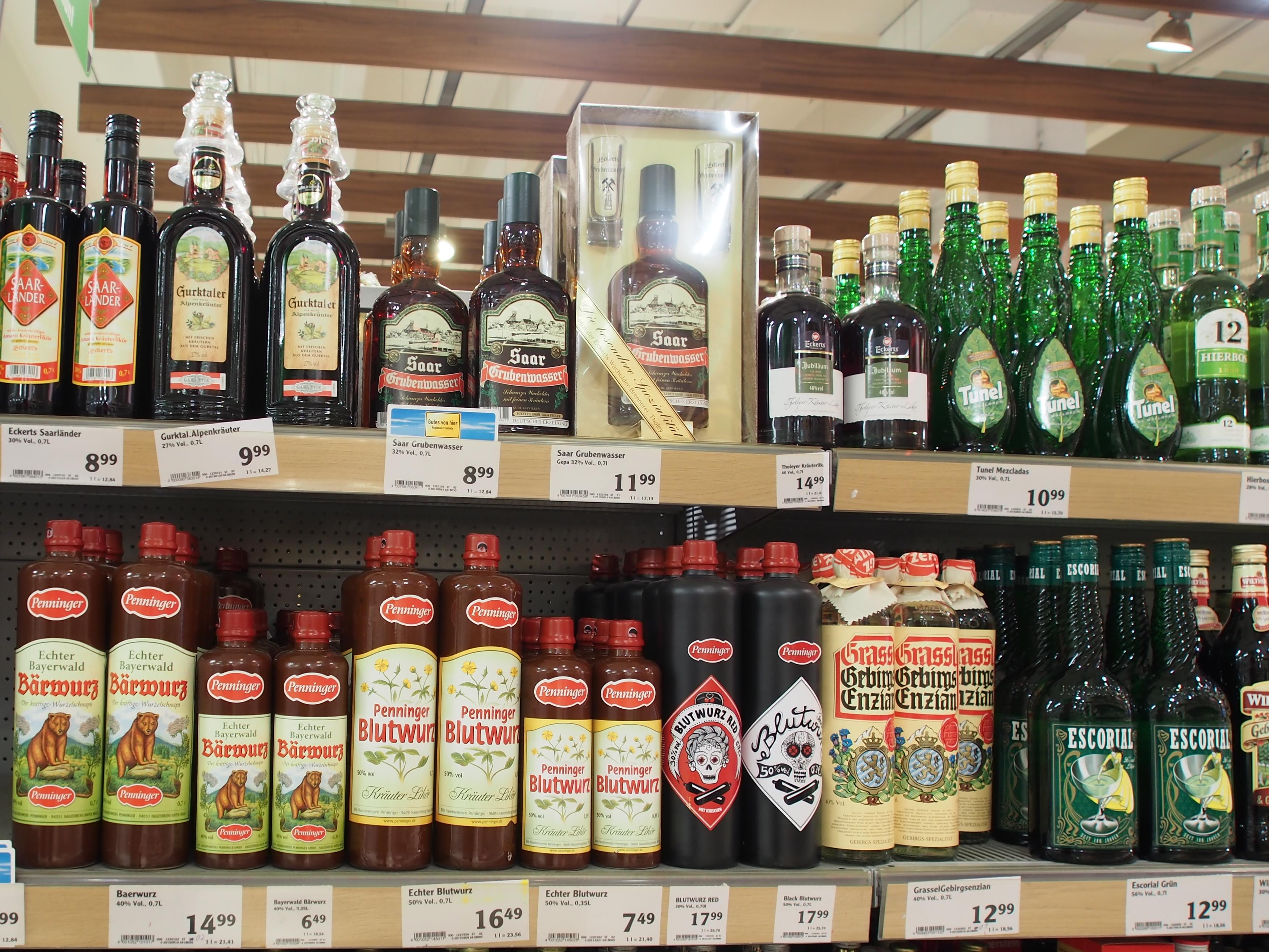 File:Alkoholische Getränke, Globus Saarbrücken, Bild 1.JPG ...