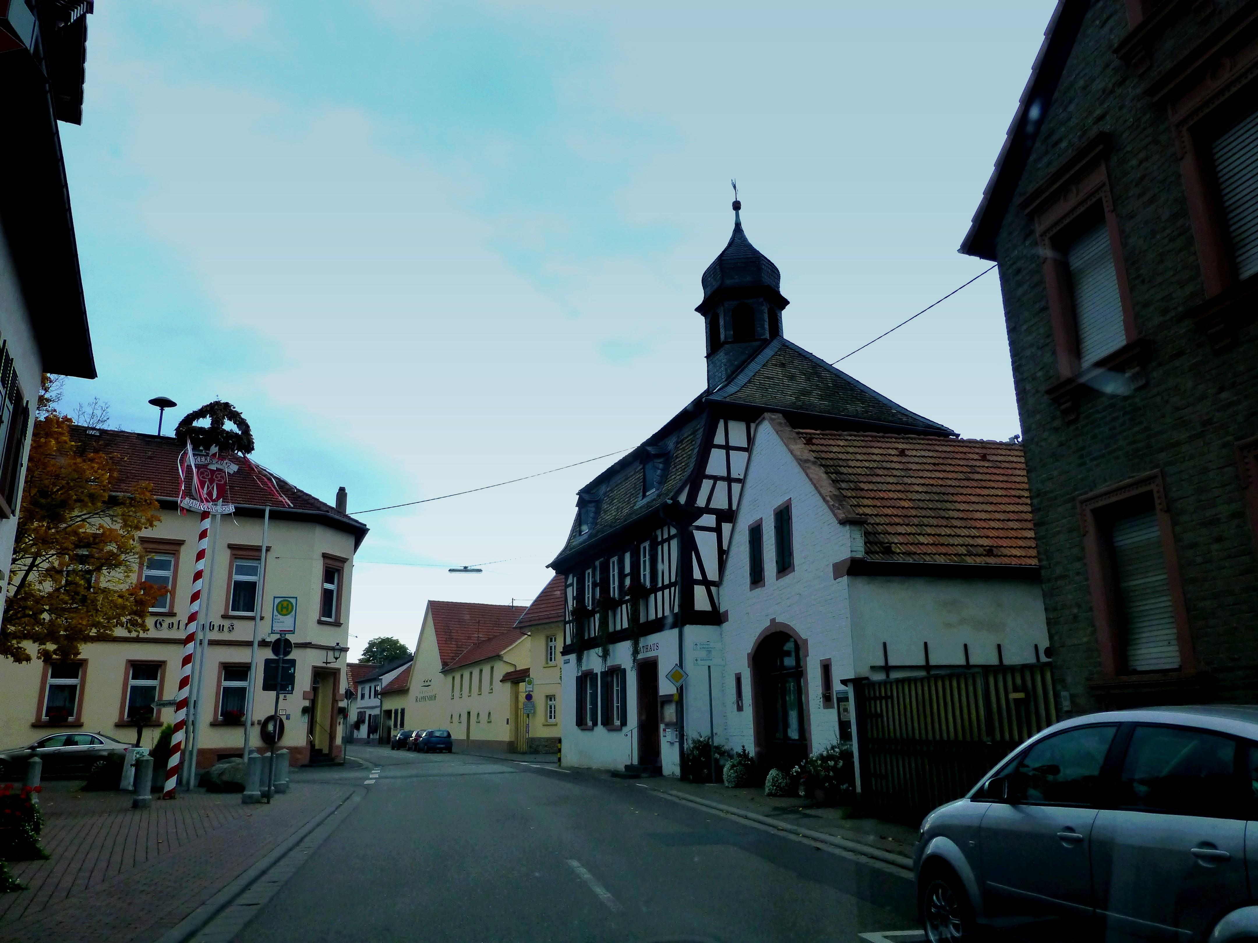 File Alsheim Bachstrasse Mit Rathaus Und Gasthaus Zur Stadt