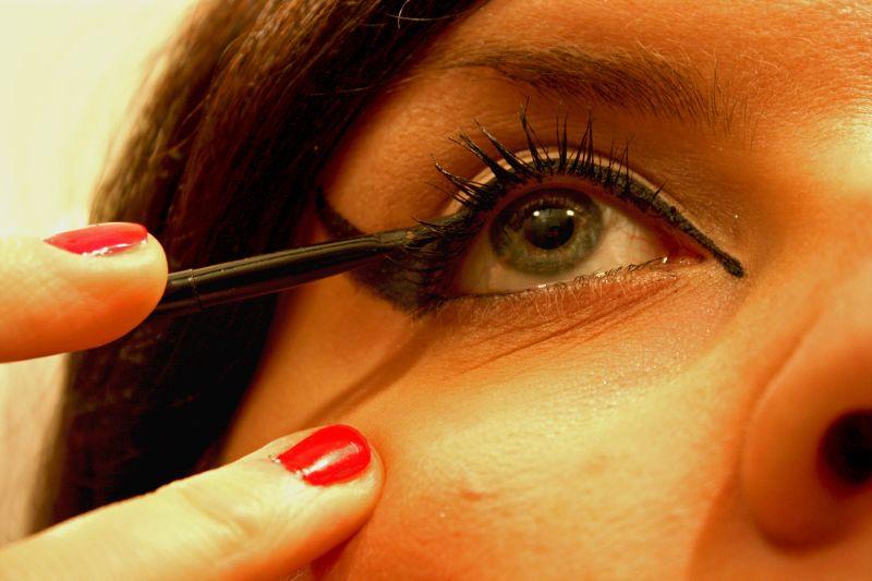 makijaż oczu przy alergii