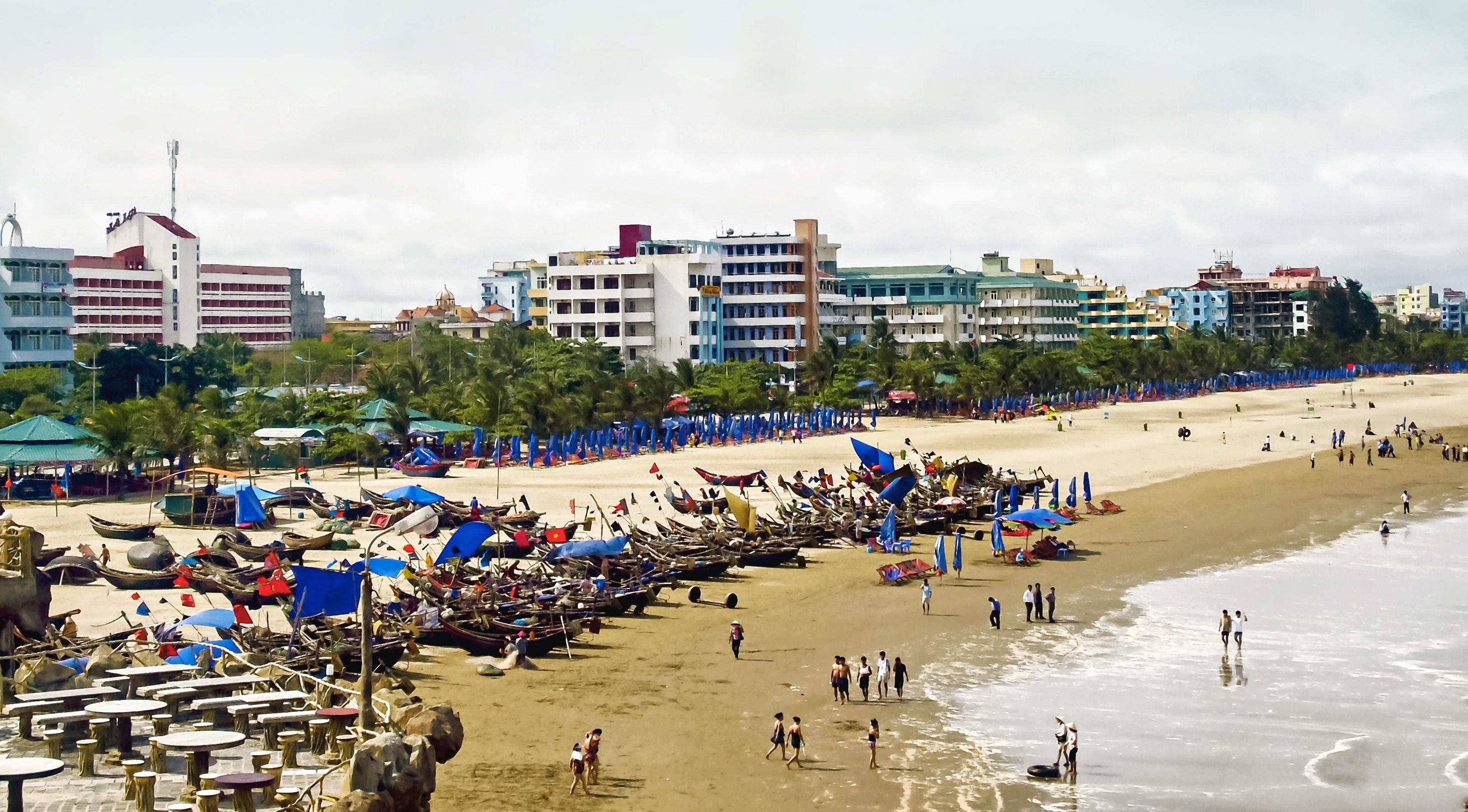 Tập tin:Bãi biển Sầm Sơn 2.jpg