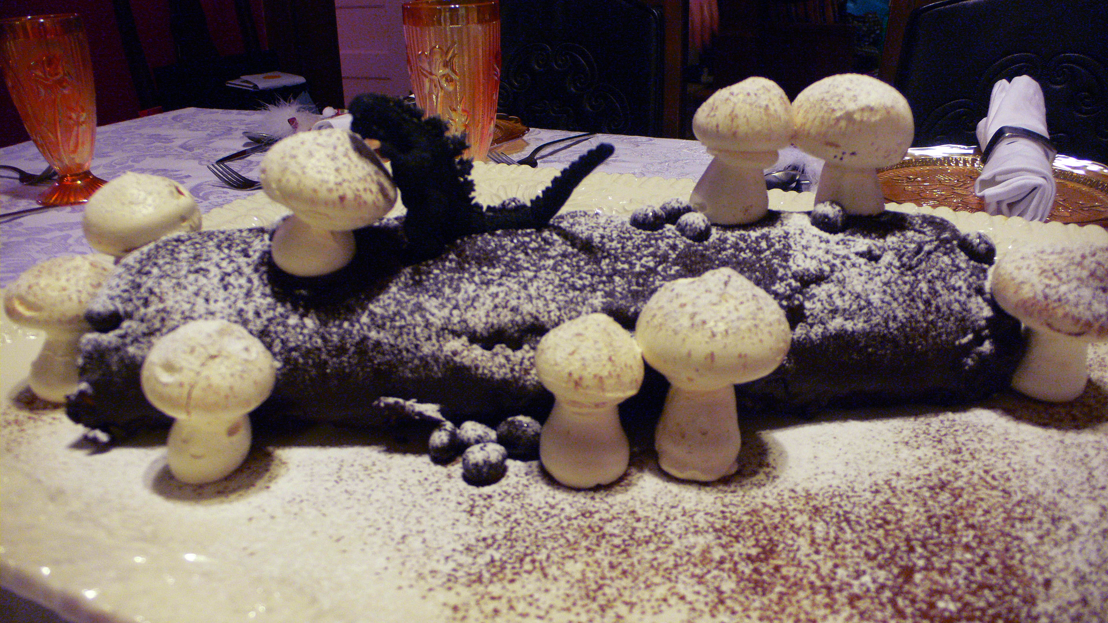 File b che de no l with meringue wikimedia - Idee de buche de noel originale ...