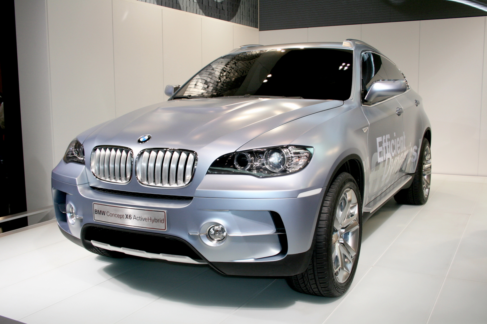 File:BMW Concept X6 ActiveHybrid.JPG - Wikimedia Commons