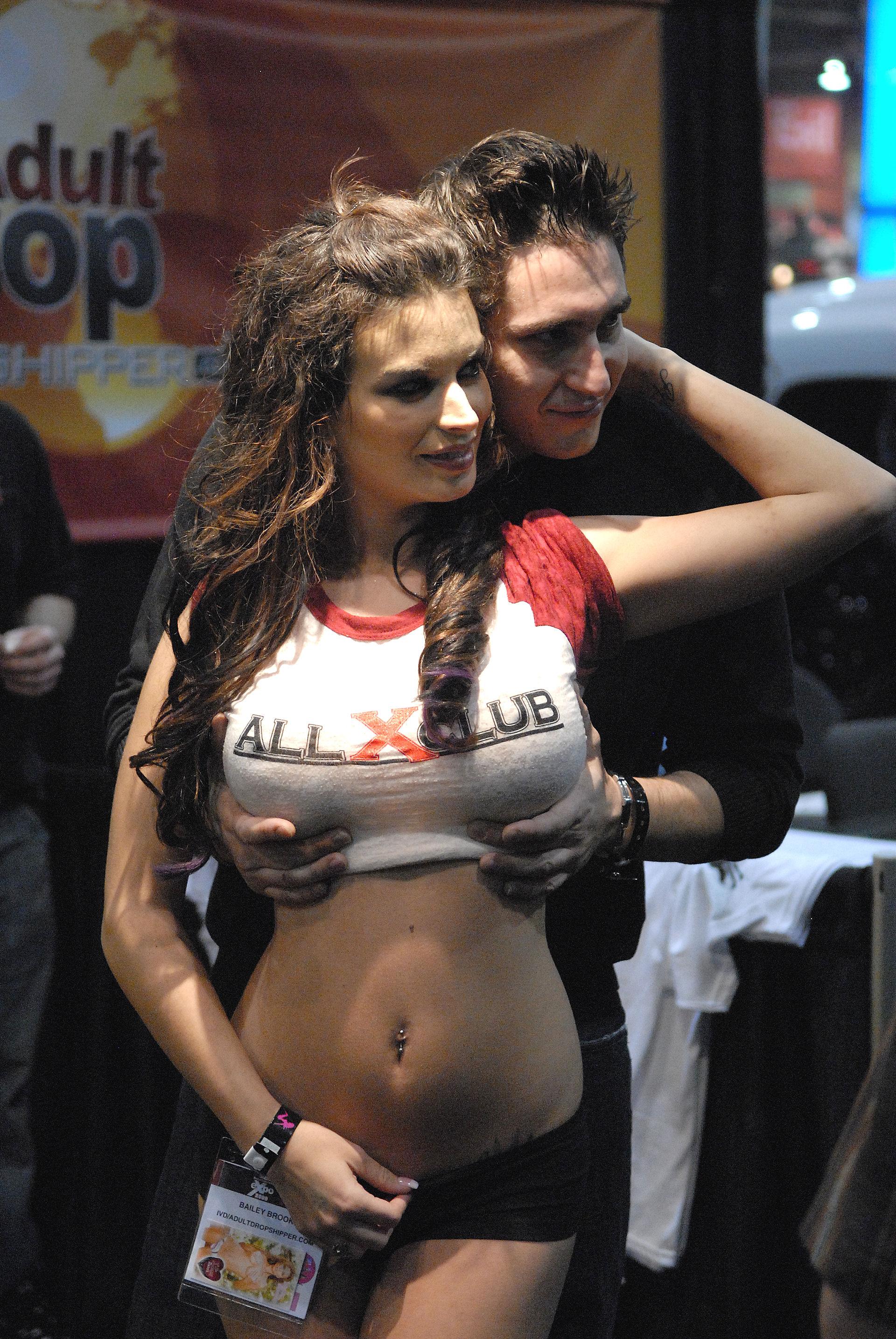 Bailey Brooke file:bailey brooks avn adult entertainment expo 2009