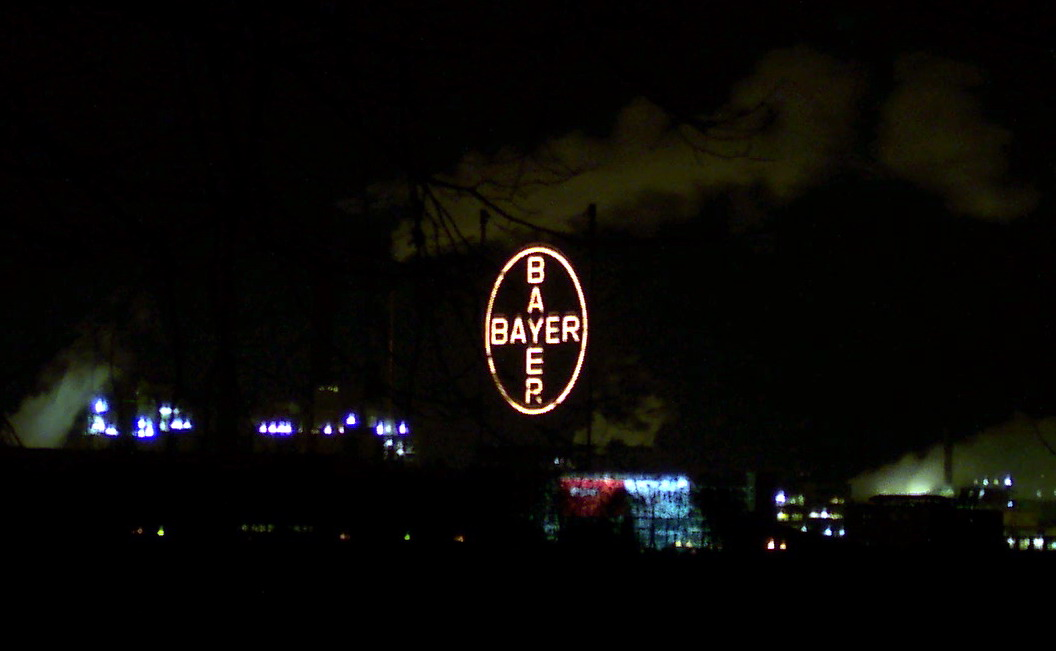 Bayer AG Cross 2005.jpg