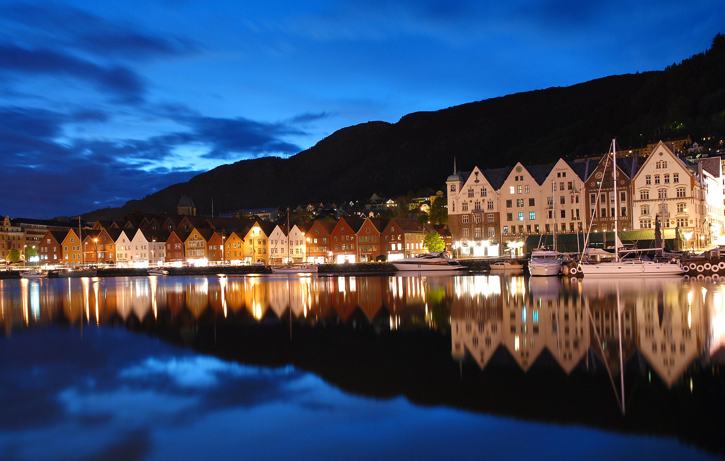 Bergen Norway  City pictures : Description Bergen by night