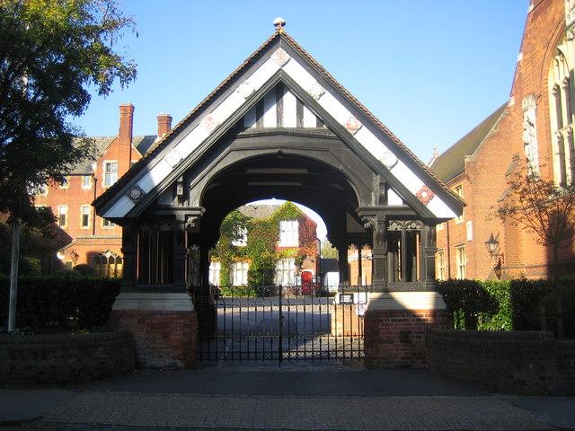 File:Berkhamsted Collegiate School, The Lych Gate - geograph.org.uk - 590521.jpg