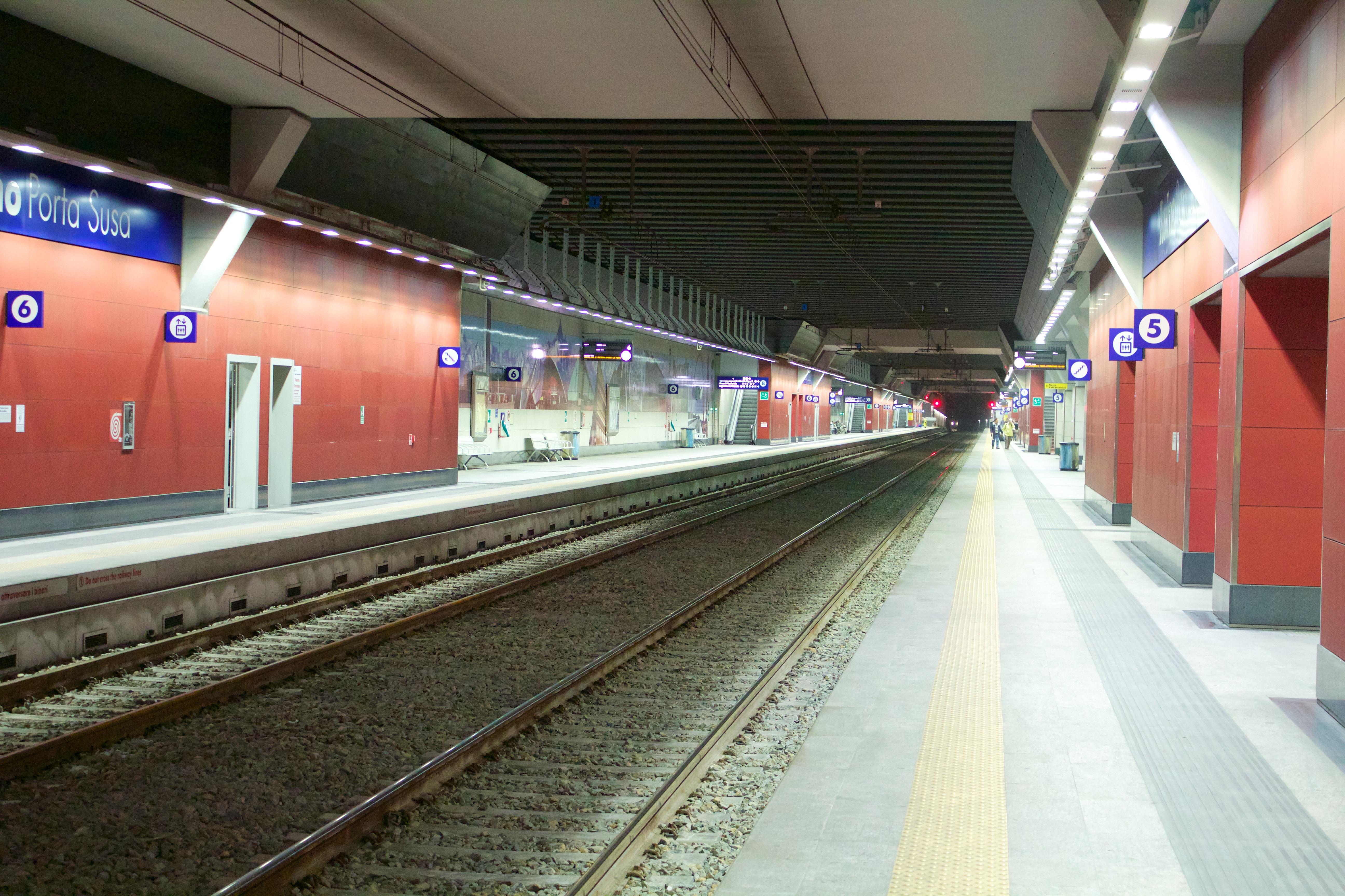 File binari torino porta wikipedia - Stazione treni torino porta susa ...