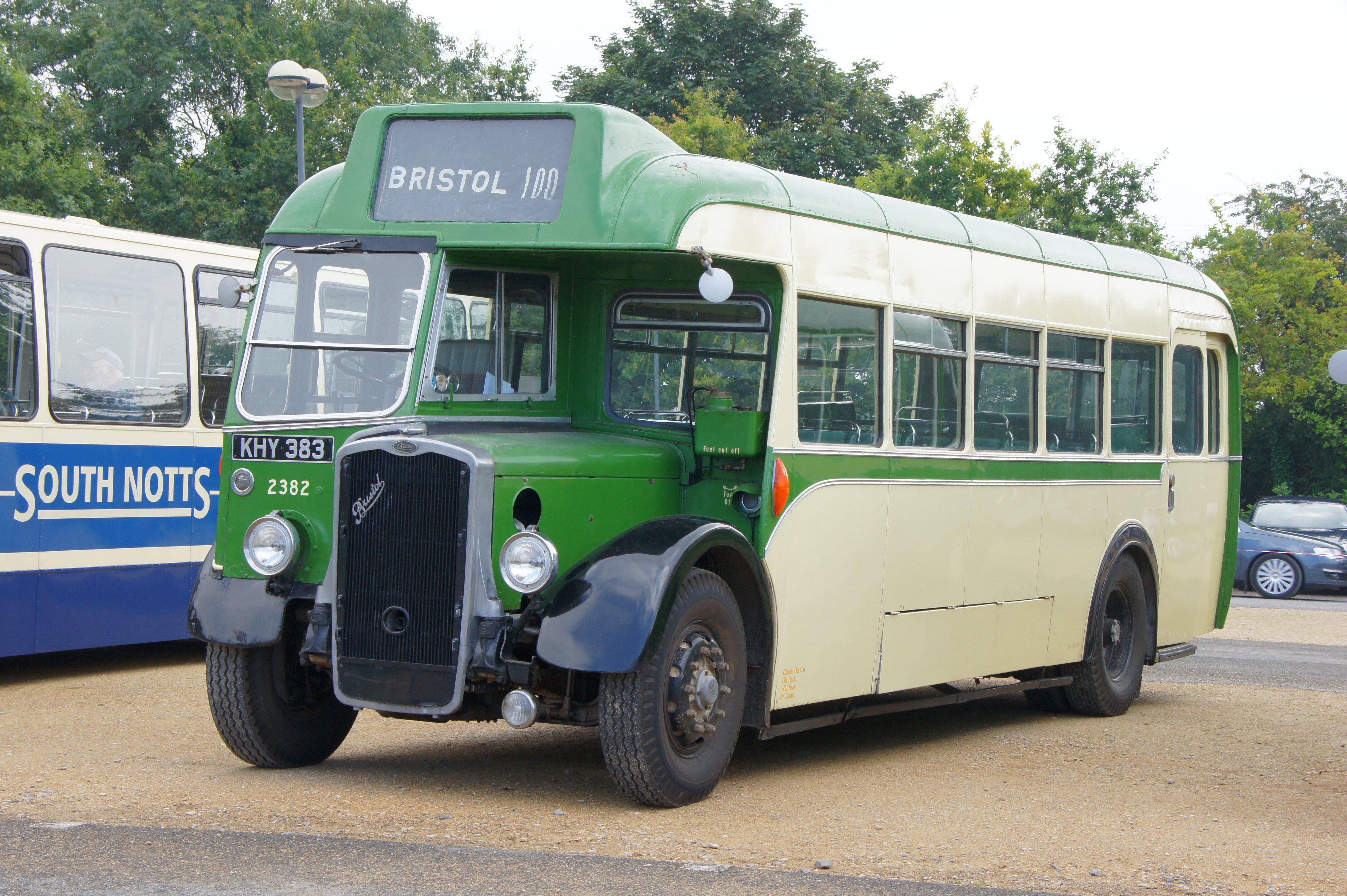 File:Bristol Omnibus bus 2382 (KHY 383), 2012 Bristol Vintage Bus Group