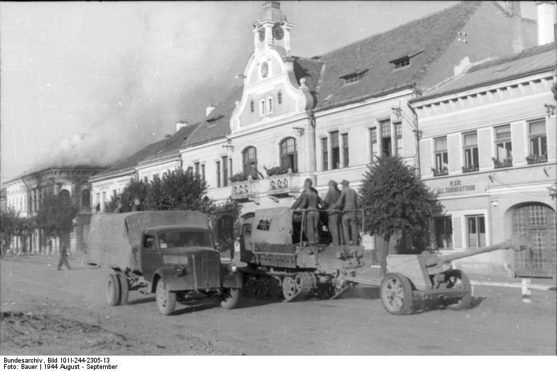 File:Bundesarchiv Bild 101I-244-2305-13, Rückzug von Rumänien über Ungarn.jpg