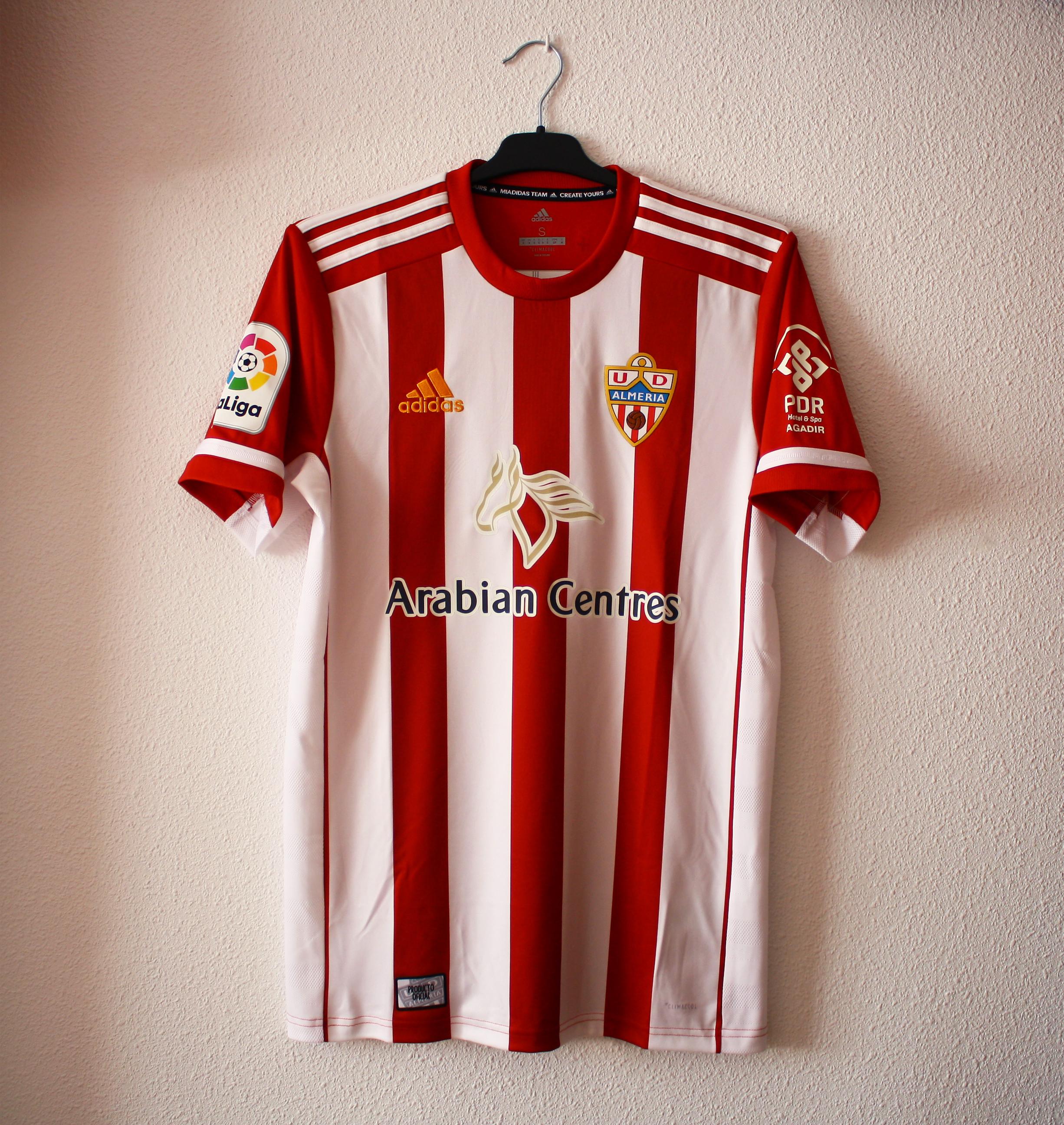 canal Retirada Isaac  File:Camiseta U.D. Almería 2019-2020.jpg - Wikimedia Commons
