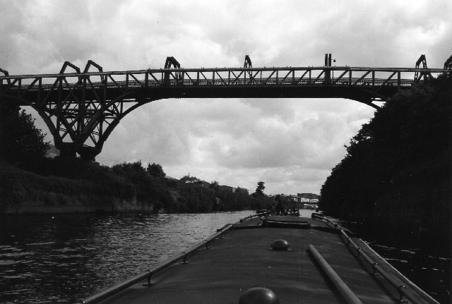 File:Cantilever Bridge, Manchester Ship Canal, Warrington - geograph.org.uk - 53754.jpg