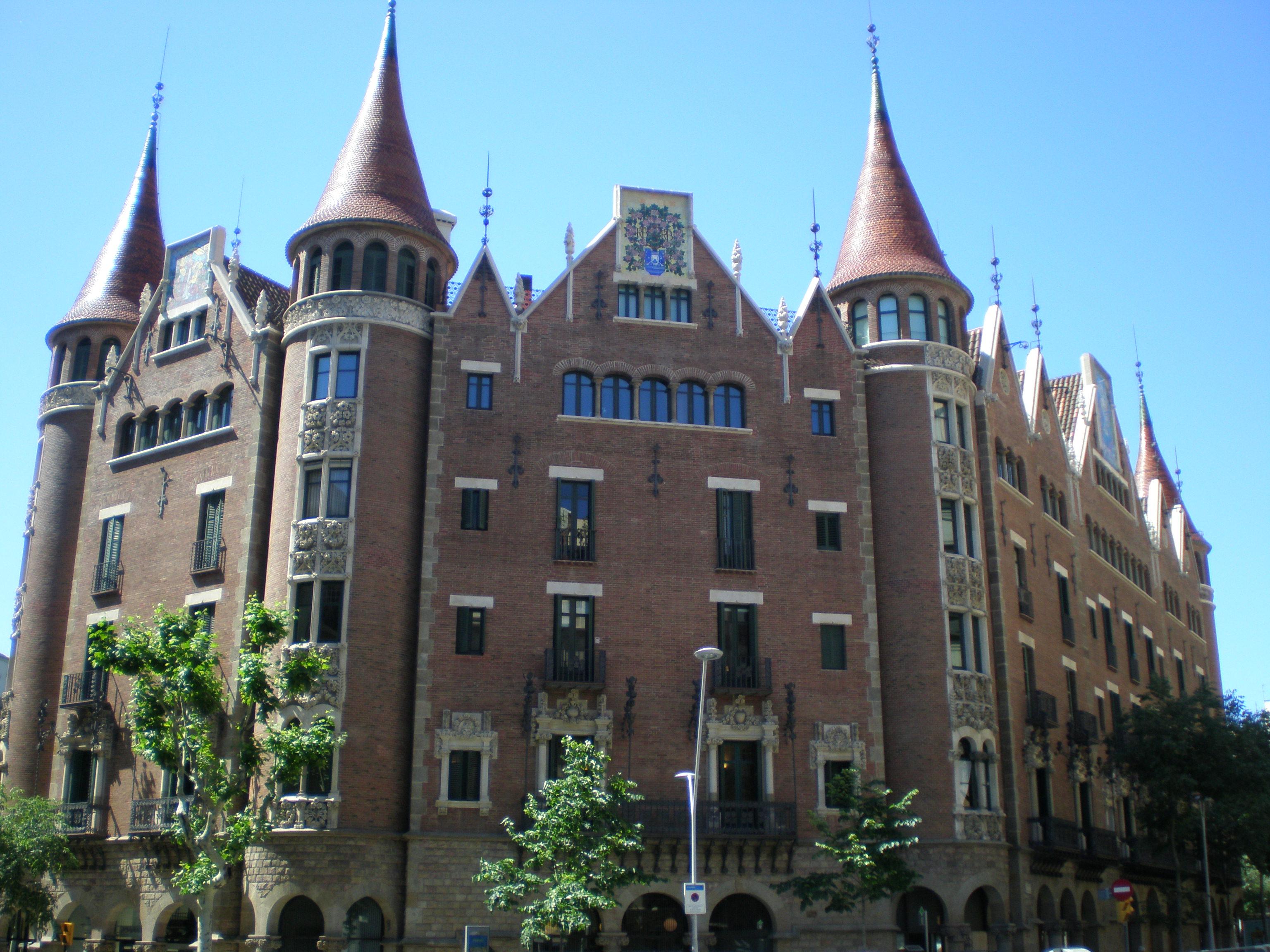 File casa de les punxes barcelona wikimedia commons - Casa de las punxes ...