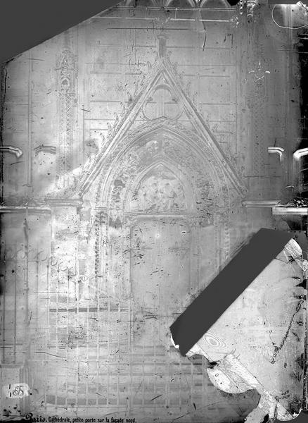 File cath drale notre dame abside fen tre paris for Fenetre paris