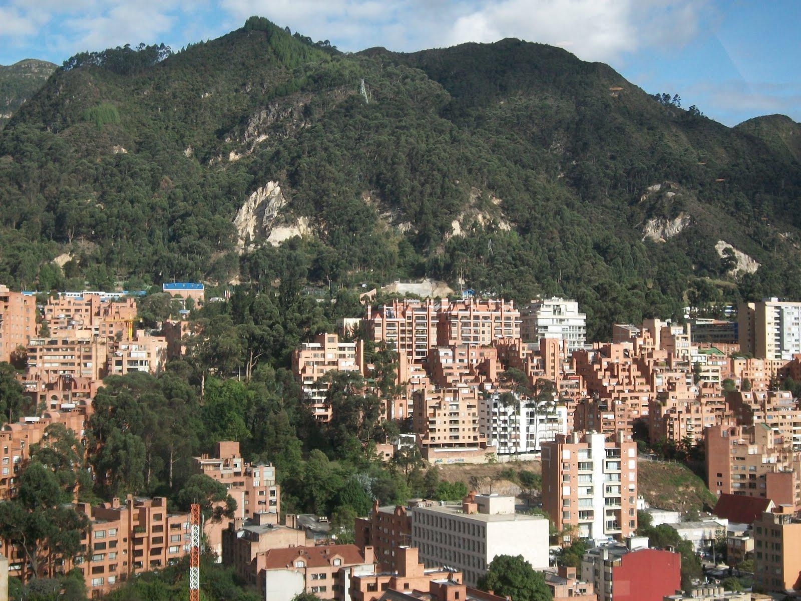 File cerros a la altura de la calle setenta jpg for Barrio ciudad jardin norte bogota